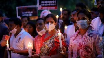 Protesta por la violación y asesinato de una niña de nueve años en India