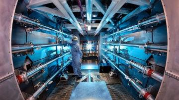 Los preamplificadores de la National Ignition Facility son el primer paso para aumentar la energía de los rayos láser en su camino hacia la cámara de destino