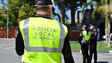 Imagen de archivo de un policía local de El Campello, en Alicante.