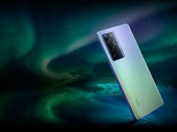 Los nuevos Vivo X70 llegan con espectaculares características y cámaras ZEISS