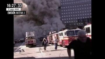 Este fue el momento en el que los bomberos huían el 11S mientras se derrumbaba una de las Torres Gemelas
