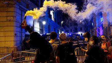 Altercados frente a la Jefatura de la Policía Nacional tras la manifestación por la Diada en Barcelona