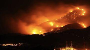 Empeora la situación del incendio en Sierra Bermeja (Málaga)