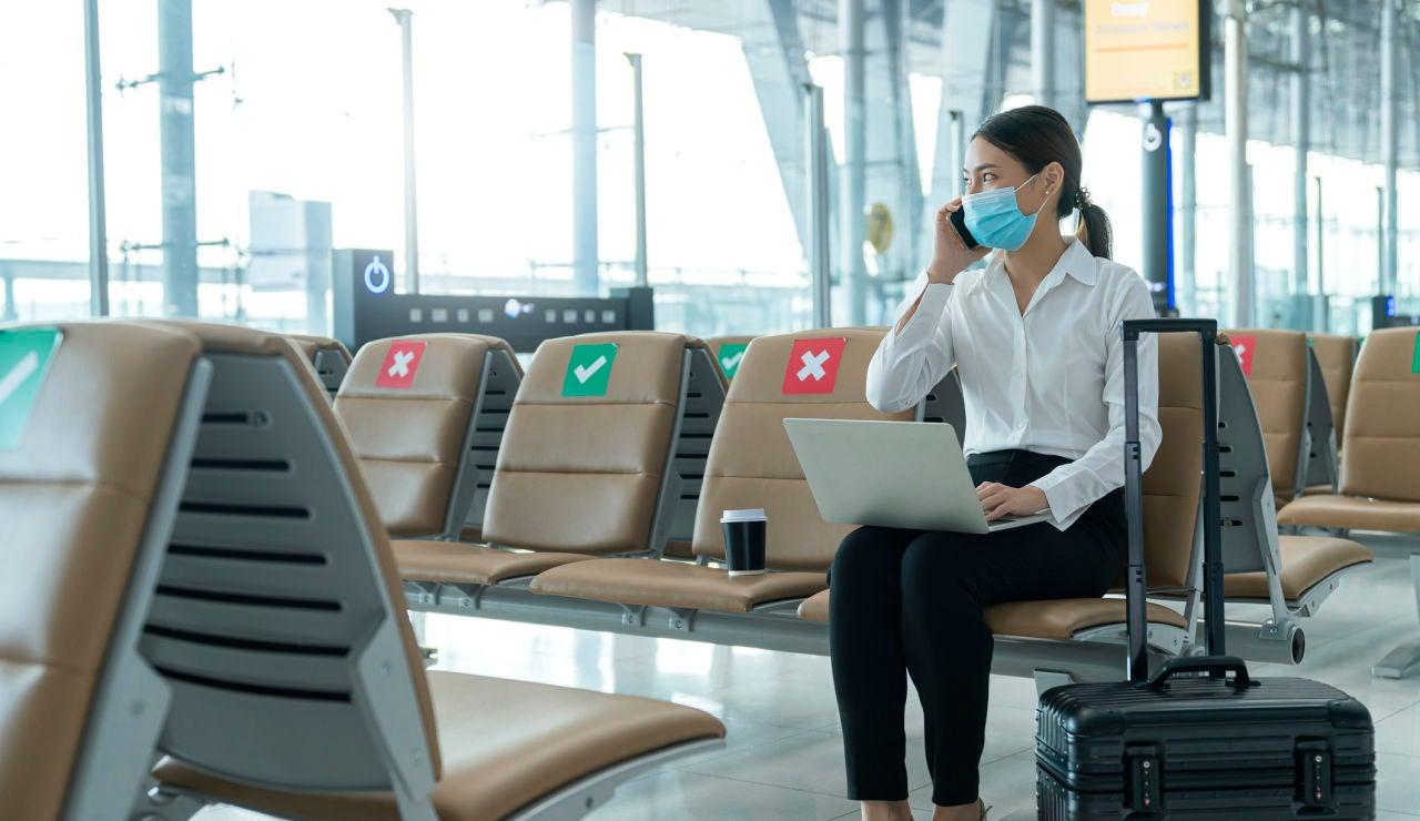 Viajar en avión es seguro y el riesgo de contagio por COVID-19 mínimo, según un estudio