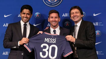Al Khelaïfi, Leo Messi y Leonardo