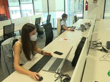 Mujeres trabajando en una empresa