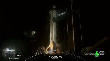 Así fue el histórico viaje de la SpaceX, el primer vuelo al especio con turistas: llegaron más lejos que la Estación Espacial Internacional