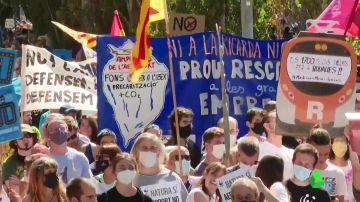 Movilizaciones en numerosos puntos de Barcelona en contra de la ampliación del Aeropuerto de El Prat