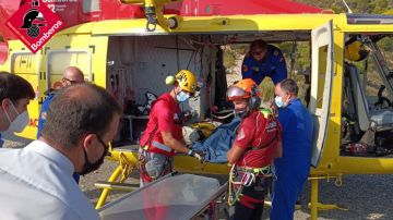 Los bomberos rescatan el cuerpo sin vida de un escalador en Alicante