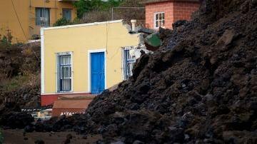 Una vivienda sepultada bajo la lava en el municipio de Los Llanos de Aridane