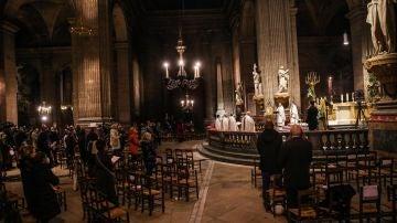"""""""Todos lo sabían y nadie hizo nada"""": el testimonio de las víctimas de abusos en la Iglesia francesa"""