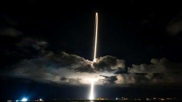 Momento del lanzamiento de la misión Lucy de la NASA