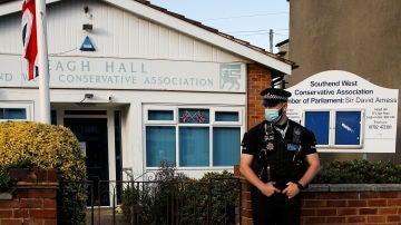 Investigan como incidente terrorista el asesinato del diputado británico David Amess