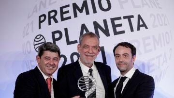 Los guionistas y escritores Antonio Mercero, Jorge Díaz y Agustín Martínez, las personas tras el seudónimo de Carmen Mola