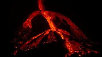 Imagen nocturna del volcán de La Palma