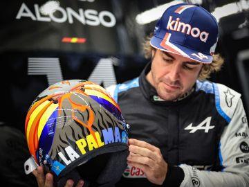 Fernando Alonso correrá en Austin con un casco en homenaje a La Palma
