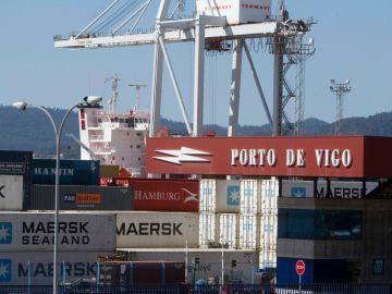 Mercancías en el puerto de Vigo