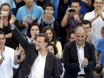 Mariano Rajoy junto a Camps en Valencia