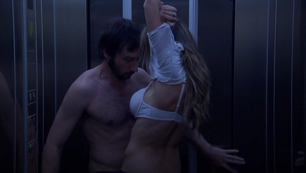 Desnudarse es la mejor solución para sofocar el calor