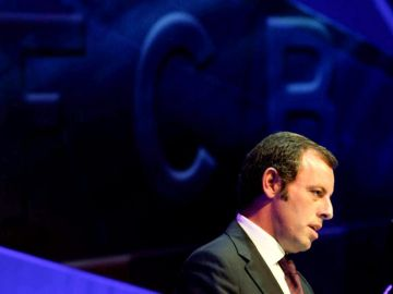 Sandro Rosell interviene en la Asamblea de compromisarios