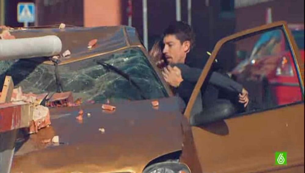 Ana y Jorge salvan a Lara Dibildos antes de que su coche explote