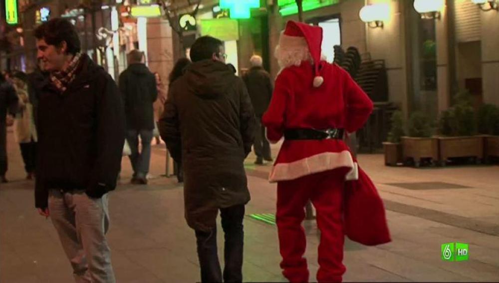 """Imagen Papa Noel: """" Uff.. yo ésto no lo puedo cumplir"""""""