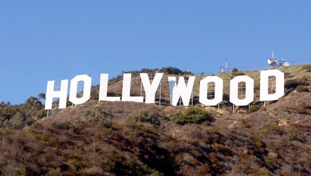 Cartel de la industria cinematográfica de Hollywood en las colinas de Los Ángeles.