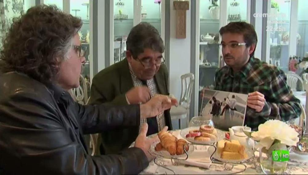 Imagen Jordi Évole sienta en la misma mesa a un monarquíco y a un republicano