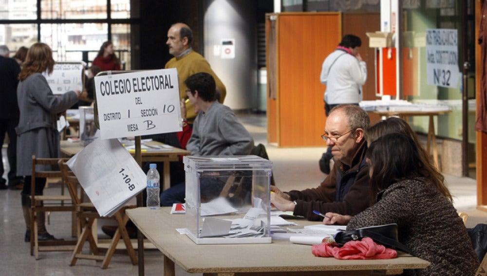 Colegio electoral en Asturias