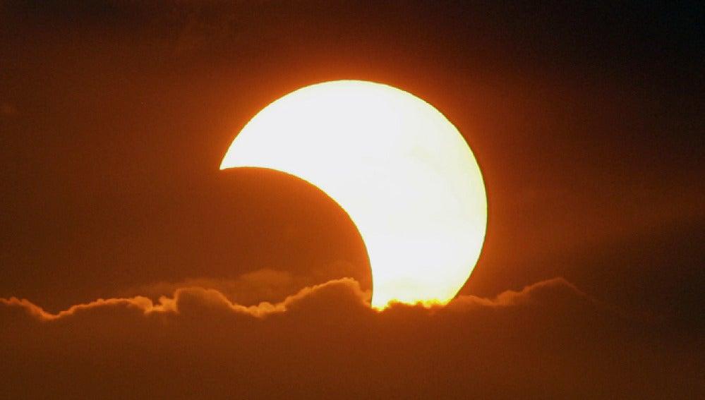 Imagen de un eclipse anular solar