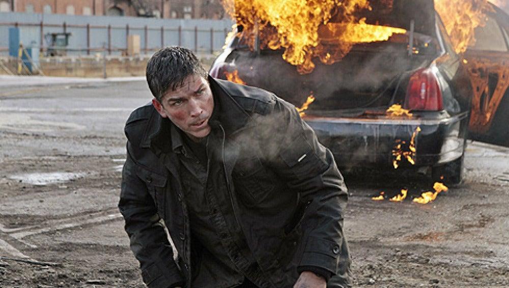 Reese en plena escena de acción