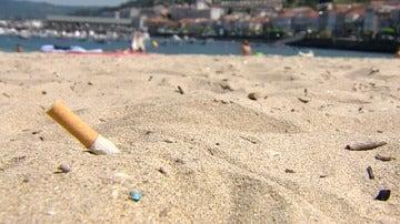 Colillas en la playa
