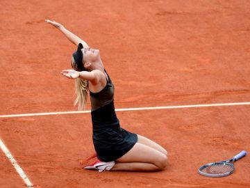 Sharapova al vencer en Roland Garros