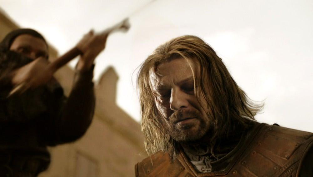 Ned Stark, a punto de ser decapitado