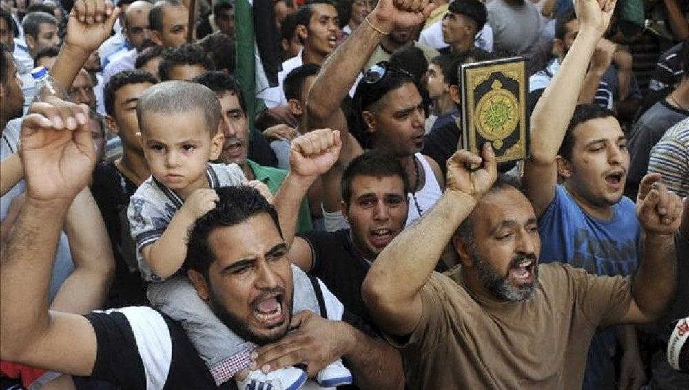 Al menos 14 muertos por las protestas del Día de Mahoma