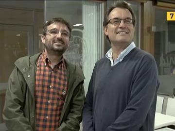 Jordi Évole junto a Artur Mas