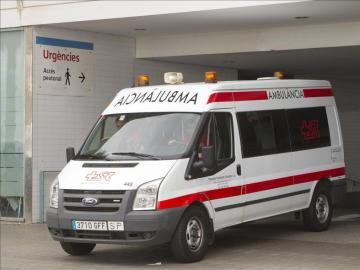Imagen de una ambulancia de Barcelona