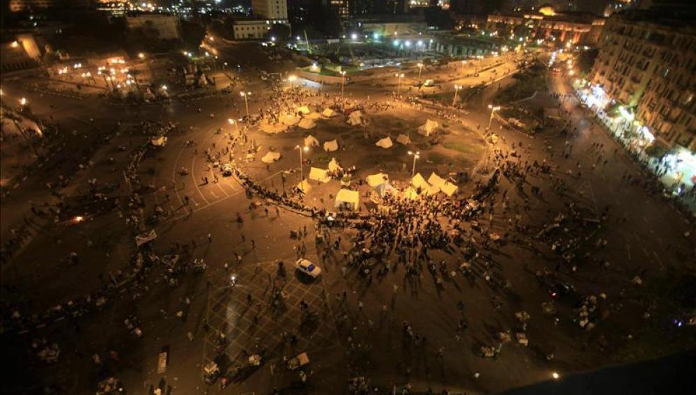 Manifestantes en la plaza cairota del Tahrir (Egipto)