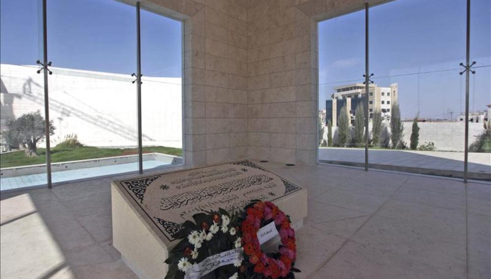 Exhuman los restos del líder palestino Yasir Arafat