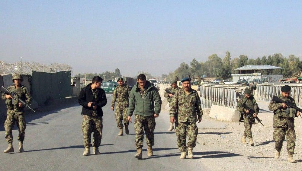 Nuevo ataque talibán contra una base militar de la OTAN