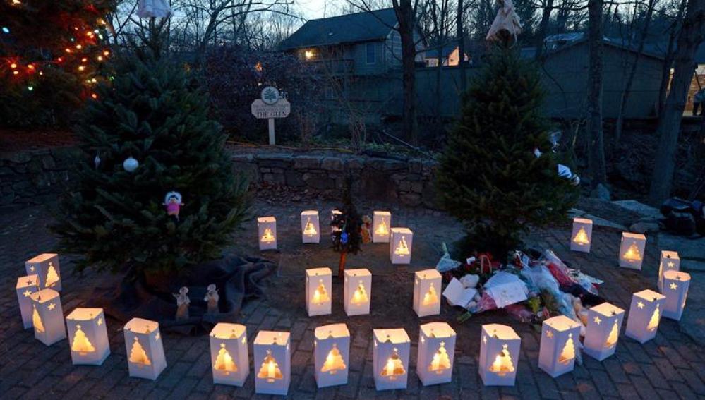 26 linternas recuerdan a las víctimas de la masacre