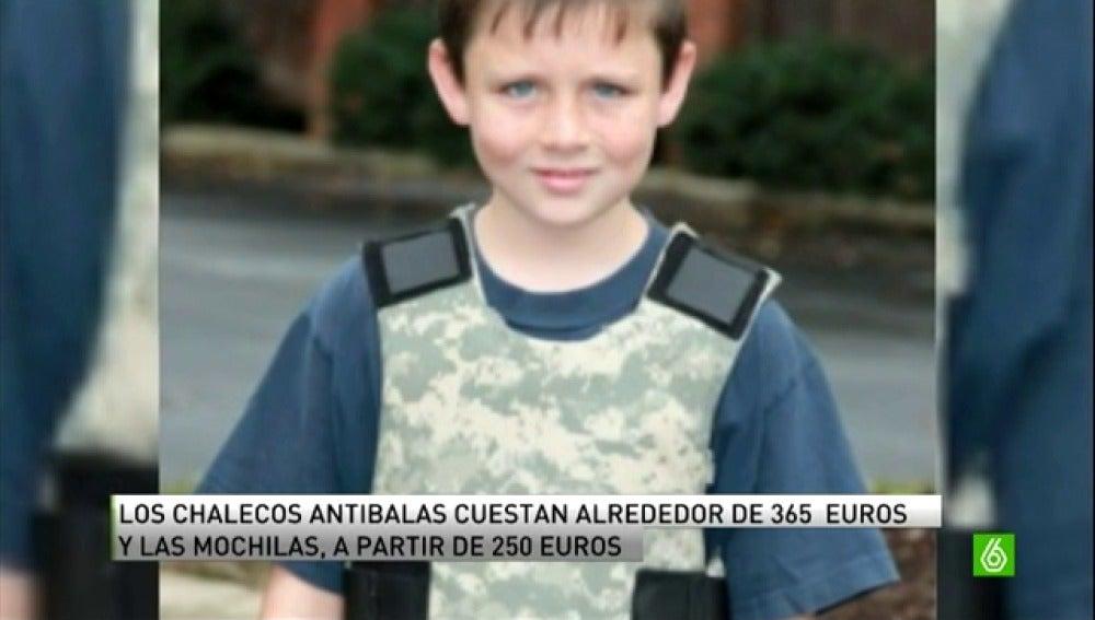 La psicosis por la matanza de Newtwon dispara la venta de mochilas y chalecos antibalas infantiles