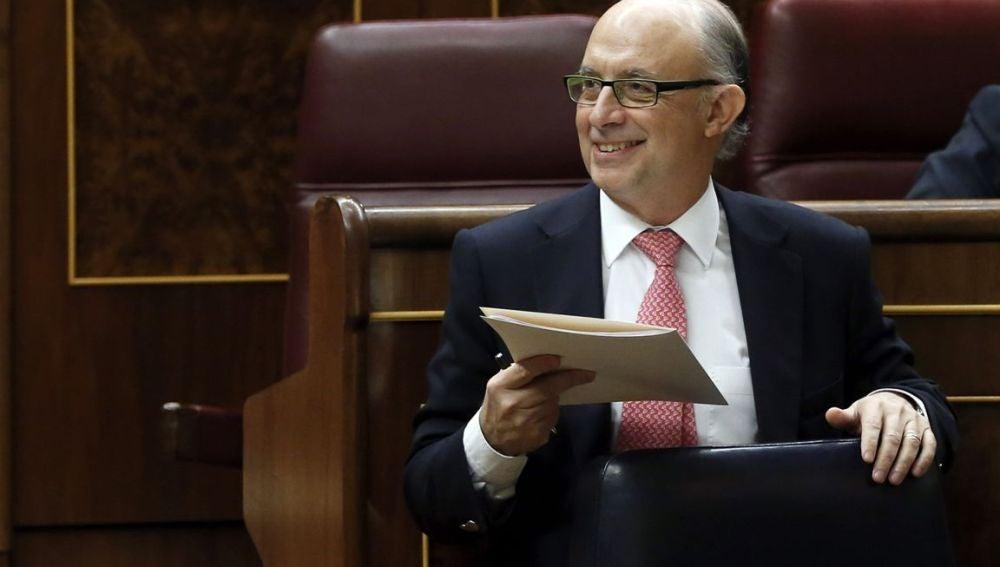 Cristóbal Montoro, sonriente en el Congreso