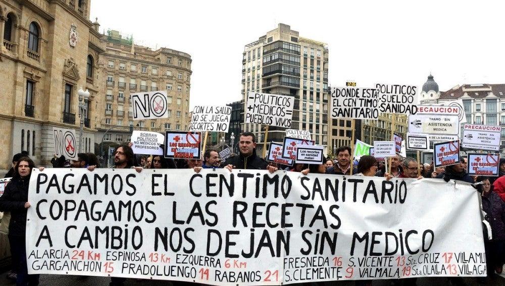 Manifestación en Valladolid contra el cierre de Urgencias