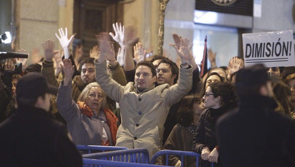 Cientos de manifestantes protestan contra la corrupción en Génova