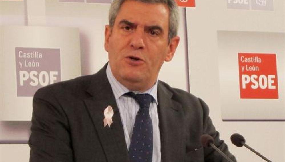 El secretario general del PSOE de Castilla y León, Julio Villarrubia