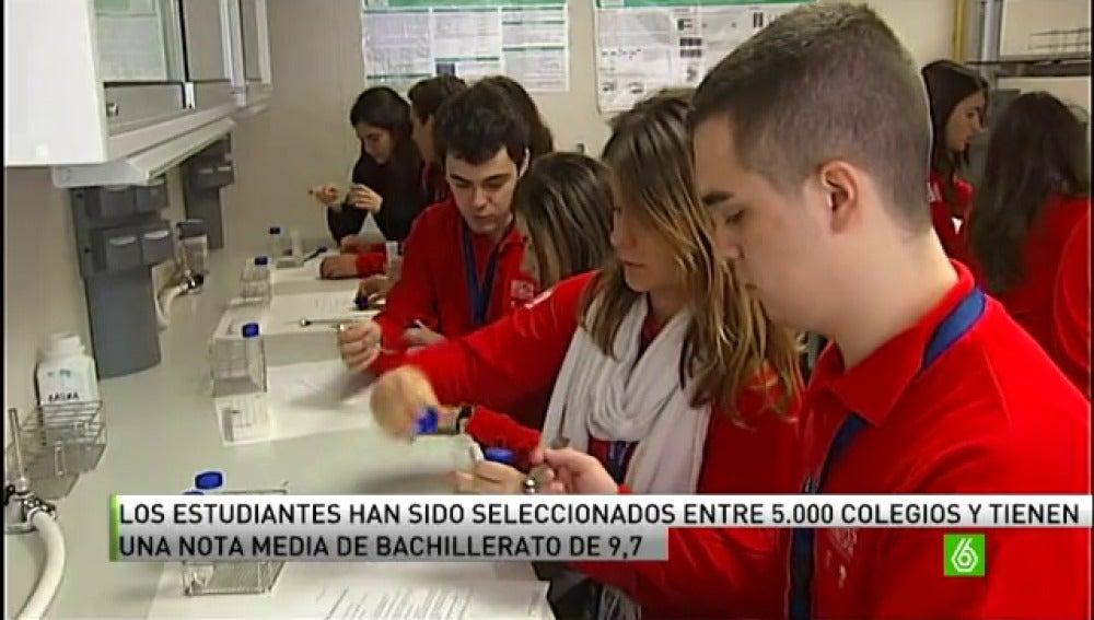 Los mejores expedientes académicos de España buscan un futuro profesional