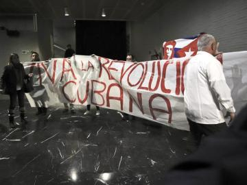 Activistas procastristas en el acto de las Damas de Blanco