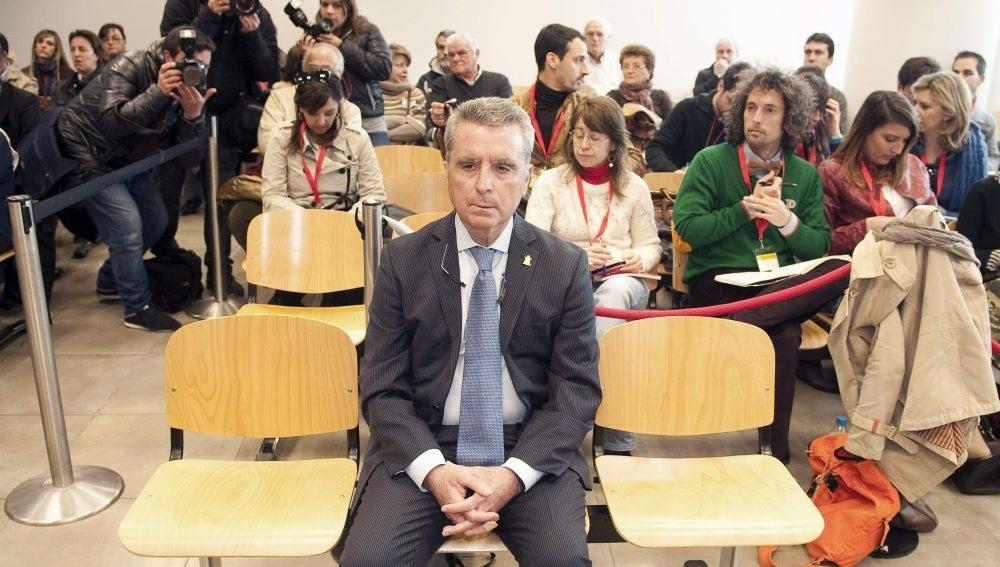 El torero José Ortega Cano, en la sala de los juzgados de Sevilla.