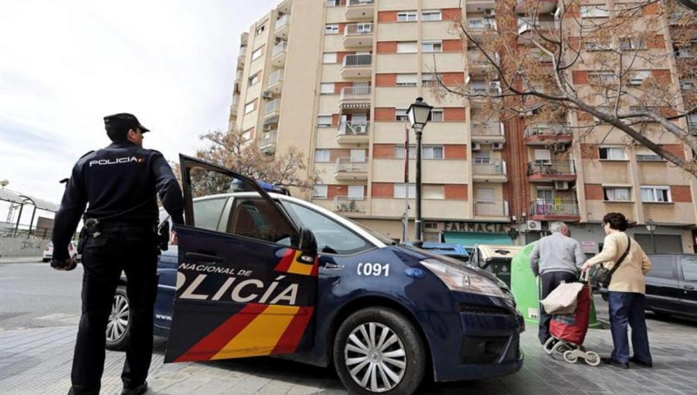 Detenido un hombre en Valencia por intentar quemar a su mujer en una vivienda